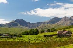 Snowdonia和斯诺登山,壮观的晴天 库存图片