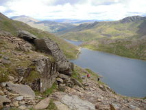 Snowdonia, beau Pays de Galles Pris du sommet de Snowdon Montagnes, crêtes, nuages Photos stock