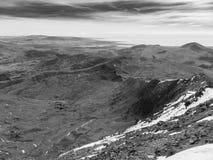 Snowdonian wieś z kołysanie się mgłą - Walia zdjęcie royalty free