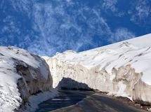 Snowdrift at the Leh - Manali Highway in the Indian Himalayas. Leh - Manali Road is a highway in northern India connecting Leh in Ladakh in Jammu and Kashmir stock photography