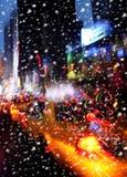 snowfall Lumières d'illumination et de nuit de New York City Photographie stock libre de droits