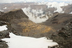 Snowfield på vulkaniska lutningar Royaltyfria Bilder