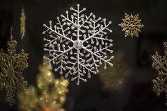 Snowflake διακοσμήσεις Στοκ φωτογραφία με δικαίωμα ελεύθερης χρήσης