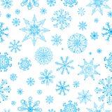 Snowflakes δίνουν το συρμένο σχέδιο Διανυσματικό άνευ ραφής υπόβαθρο χειμερινών Χριστουγέννων Στοκ Φωτογραφίες