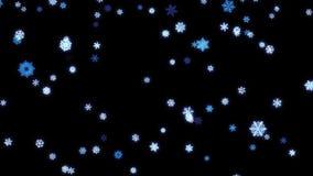 Snowflakes μόρια αφορημένος κάτω τη μαύρη οθόνη φιλμ μικρού μήκους