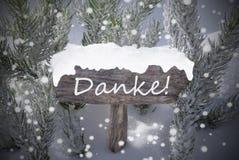 Snowflakes σημαδιών Χριστουγέννων το δέντρο Danke του FIR σημαίνει τις ευχαριστίες στοκ φωτογραφίες με δικαίωμα ελεύθερης χρήσης
