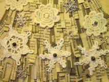 Snowflakes στην εφημερίδα Στοκ Φωτογραφία