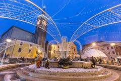 Snowflakes στο Duomo Bussolengo στα Χριστούγεννα 2017 στοκ εικόνες