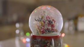 Snowglobe avec la neige en baisse - jouet de Noël clips vidéos