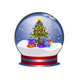 Snowglobe con el árbol de navidad y los presentes Imagen de archivo