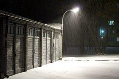 snowing vinter för natt Arkivfoton