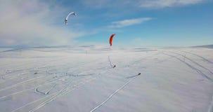 Snowkiting no norte video estoque
