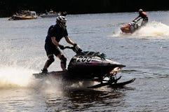 Snowmobile auf Wasser Stockfotografie