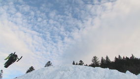 Snowmobile doskakiwanie