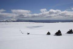 Snowmobile in ghiacciaio Immagine Stock