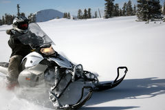 snowmobile snowmachine 7 всадников Стоковое фото RF