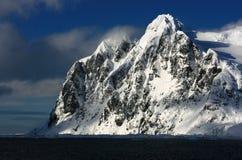 Snowmountans i Antarktis Royaltyfria Foton