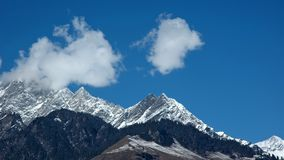 Snowpeaks in Indisch Himalayagebergte Stock Foto