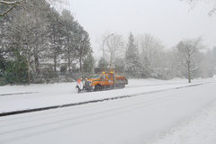 Snowplough na rua Fotografia de Stock
