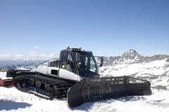 Snowplow na geleira de Molltaler, Áustria Imagens de Stock Royalty Free