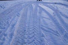 Snowscape με τα σημάδια ολισθήσεων στο χιόνι Στοκ Φωτογραφίες