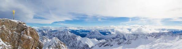 Snowscape-Alpen lizenzfreies stockbild