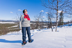 snowshoeing женщина Стоковые Фотографии RF