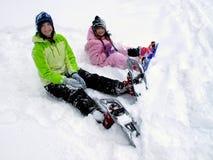 Snowshoeing en invierno Imágenes de archivo libres de regalías