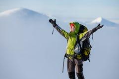 Snowshoeing in Karpatische bergen Stock Afbeelding