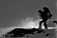 snowstorm βουνοπλαγιών τουρίστ&alp Στοκ εικόνες με δικαίωμα ελεύθερης χρήσης