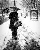 Snowstorm i staden Arkivfoton