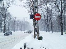 snowstormtrafikvinter Arkivbild
