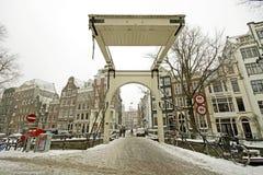 Snowy Amsterdam in den Niederlanden Lizenzfreie Stockfotografie