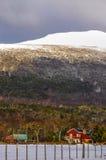 Snowy-Bauernhaus lizenzfreie stockbilder