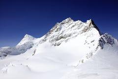 Snowy-Berg Lizenzfreies Stockfoto