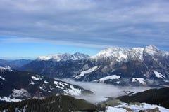 Snowy-Berge Lizenzfreie Stockbilder
