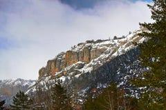 Snowy-Berge in Isaba Lizenzfreie Stockfotos