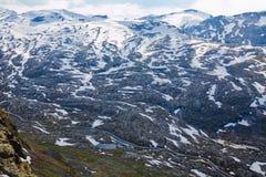 Snowy-Berge in Norwegen Stockbild