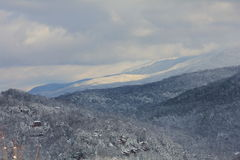 Snowy-Berge und -täler Lizenzfreies Stockbild
