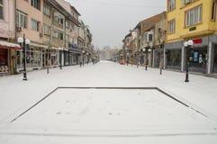 Snowy-Brunnen auf der Hauptstraße von Pomorie in Bulgarien Lizenzfreie Stockbilder