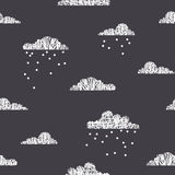 Snowy clouds seamless pattern, high contrast: white and dark grey Royalty Free Stock Photos