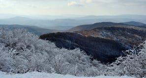 Snowy-Gebirgslandschaft Lizenzfreies Stockfoto