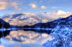 Snowy-Gebirgslandschaft. Stockbilder