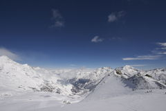 Snowy-Gebirgslandschaft in der Schweiz Stockbilder