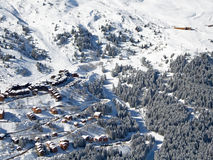 Snowy landscape with ski chalets, Meribel Royalty Free Stock Photos