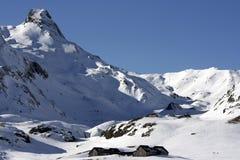 Snowy-Landschaft in den Bergen lizenzfreies stockbild