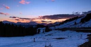 Snowy-Landschaft von Avoriaz-Skiort in Frankreich an einem sonnigen Tag stockfotografie