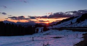 Snowy-Landschaft von Avoriaz-Skiort in Frankreich an einem sonnigen Tag stockbilder