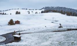 Snowy-Morgen auf der Hochebene von Alpe di Siusi Stockbild