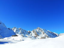 Snowy mountain peak Royalty Free Stock Photos